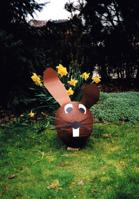 Hase als Osternest